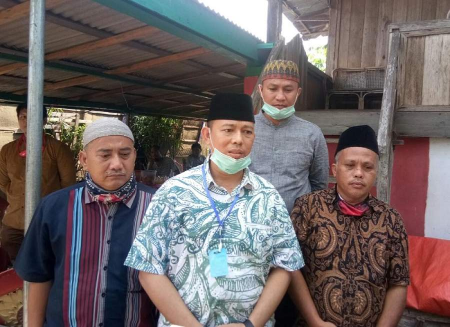 Berikan Dukungan Moril, Kadisdik OKU Kunjungi Kediaman Orang tua Almarhumah RN di Tubohan