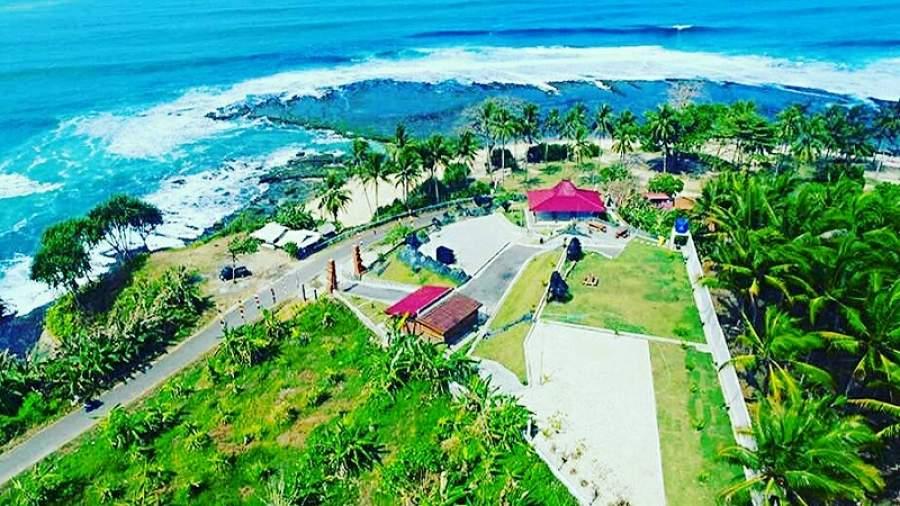 View Karapyak Glamping di Pangandaran, Jawa Barat.