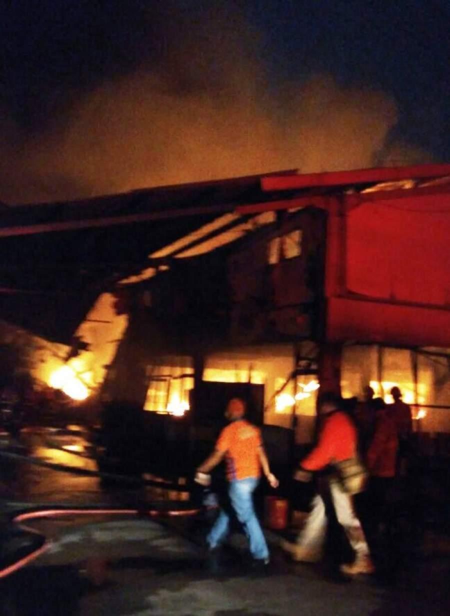 Pabrik Mie Instan di Jatiuwung Terbakar