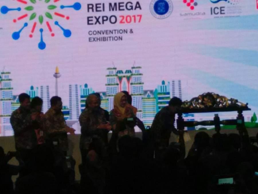 Pembukaan Indonesia Future City (IFC) dan REI Mega Expo 2017 di ICE BSD, Kabupaten Tangerang, Banten.