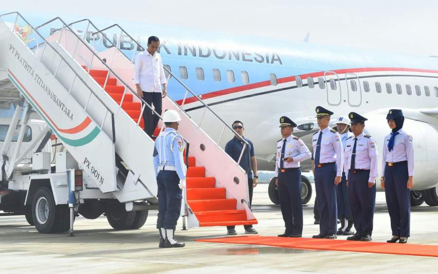 Presiden Jokowi Lakukan Pendaratan Perdana di Bandara Internasional Jawa Barat