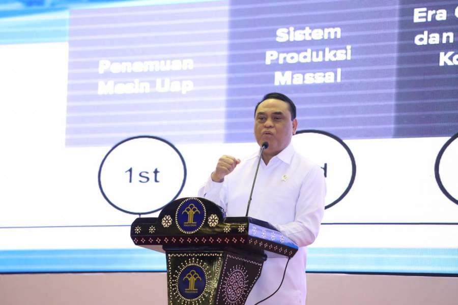 Menteri Syafruddin Ajak Generasi Muda Bersiap Hadapi 2 Tantangan Besar