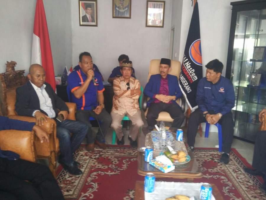 Dwi Jatmiko Serahkan Formulir Pendaftaran Calon Bupati ke Nasdem